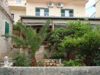 Apartmani Tudor Hvar, accommodation with half board